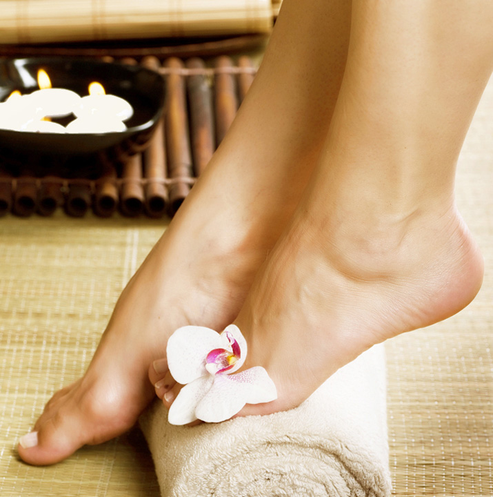 Spa Pedicure with Hydrating Mask